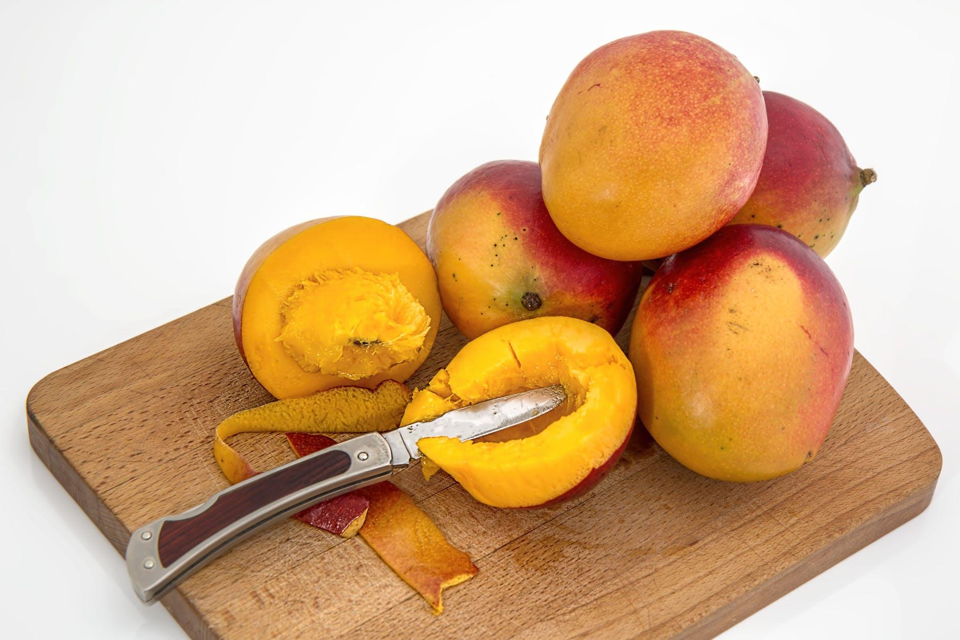 mango-tropical-fruit-juicy-sweet-39303
